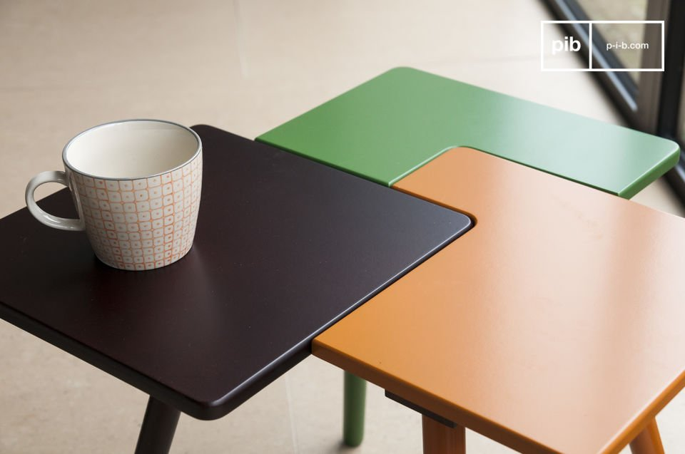 De tridy bijzettafel design is een klein meubelstuk vol fantasie dat veel Scandinavische stijl en