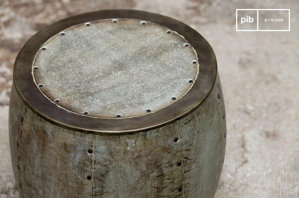 Te gebruiken als bijzettafel of kruk, 100% vintage industriële stijl