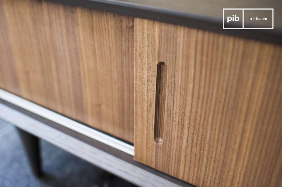 Mooi contrast van het hout en een jaren '60 design