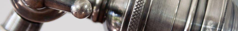 Benadrukte materialen Verstelbare metalen leeslamp