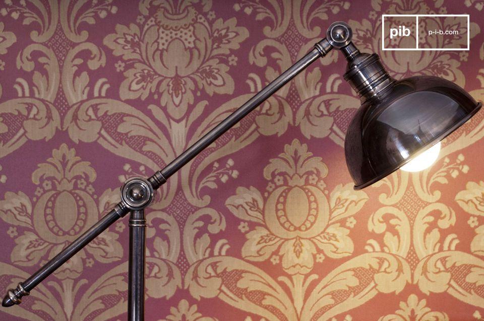De verstelbare metalen leeslamp is een prachtig object dat je interieur verlicht en de juiste