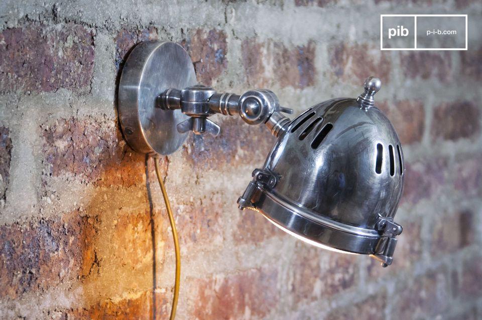 Verzilverde koplamp wandlamp