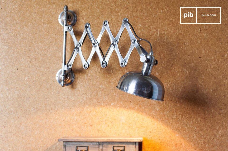 Wil je de lamp liever aansluiten op een stopcontact in plaats van direct in de muur? Monteer dan