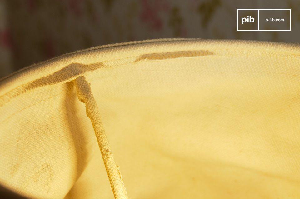 De Oléron lampenkap is een item die je lamp compleet maakt en een bohemian touch toevoegt aan je