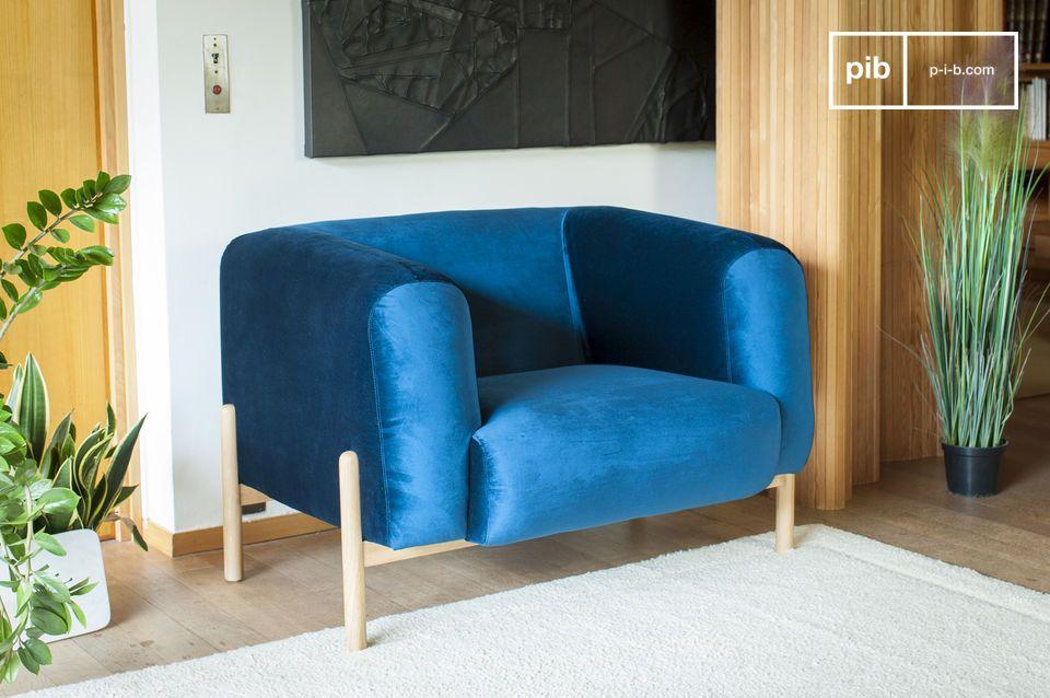 Een tijdloze Scandinavische fauteuil, perfect voor een vleugje kleur