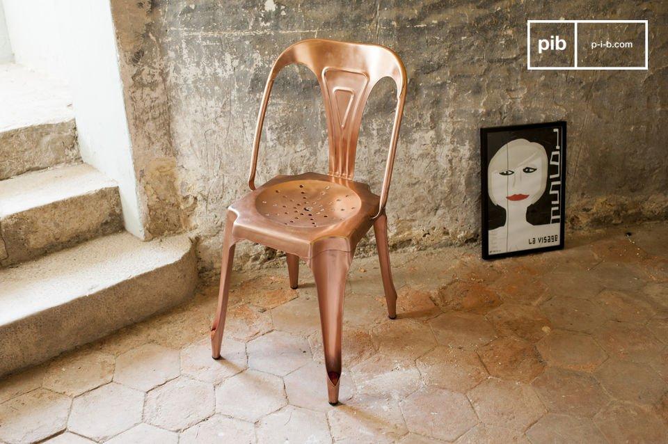 Kies voor de heruitgave van de populaire stoel uit de jaren \'20 met een koperen finish
