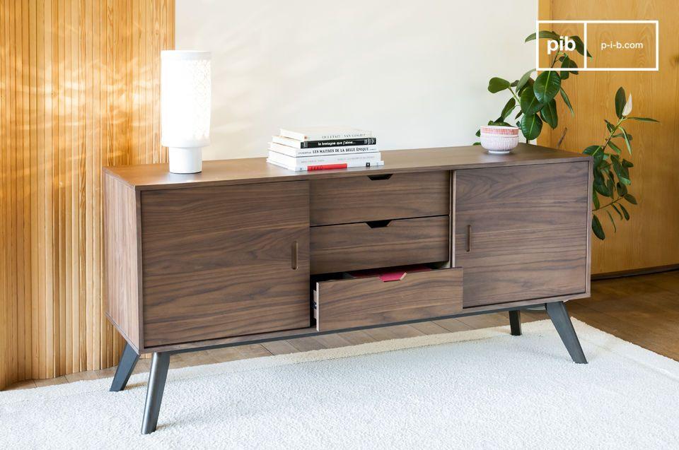 Een opslageenheid die notenhout combineert met zeer rechte lijnen voor een slanke en elegante