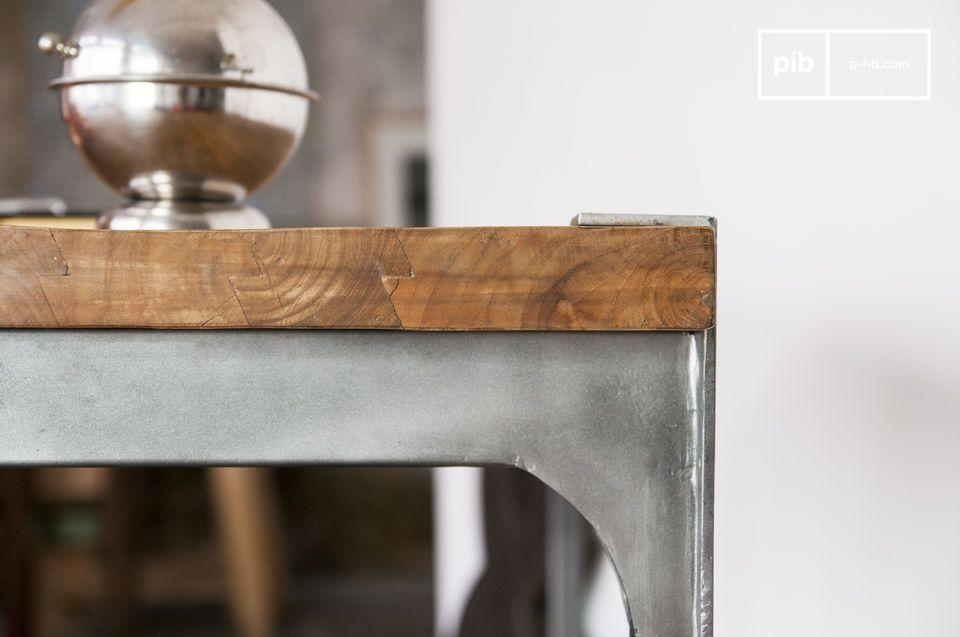 Kies voor een bartafel die dik teak hout en staal combineert voor een industrieel karakter in je