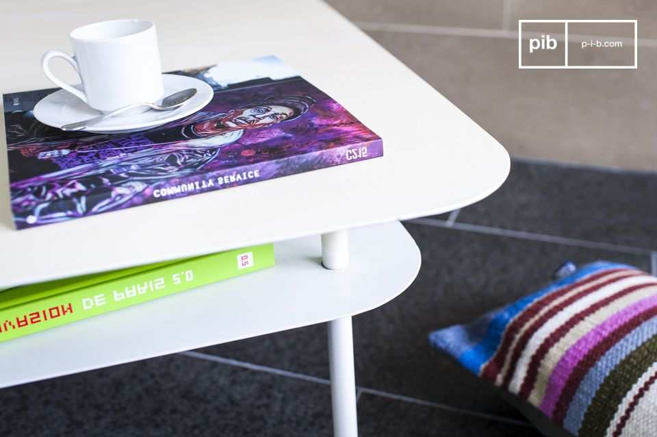 Een elegante witte tafel