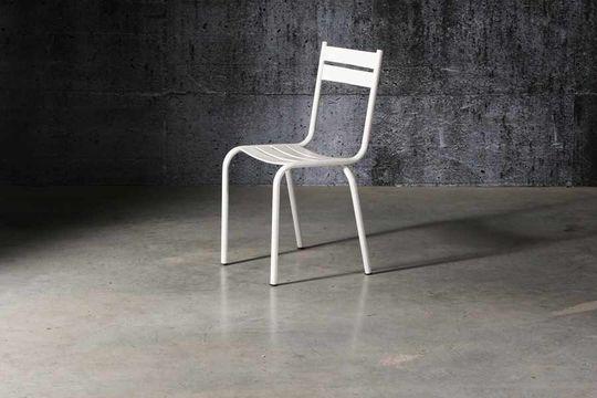 Witte stoel pretty
