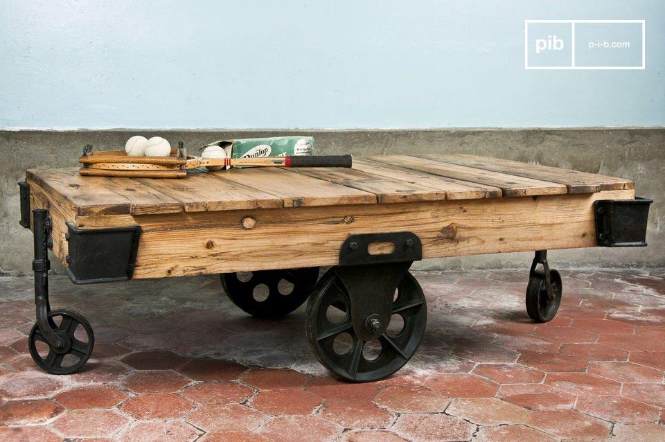 Gemaakt van dik gelakt hout