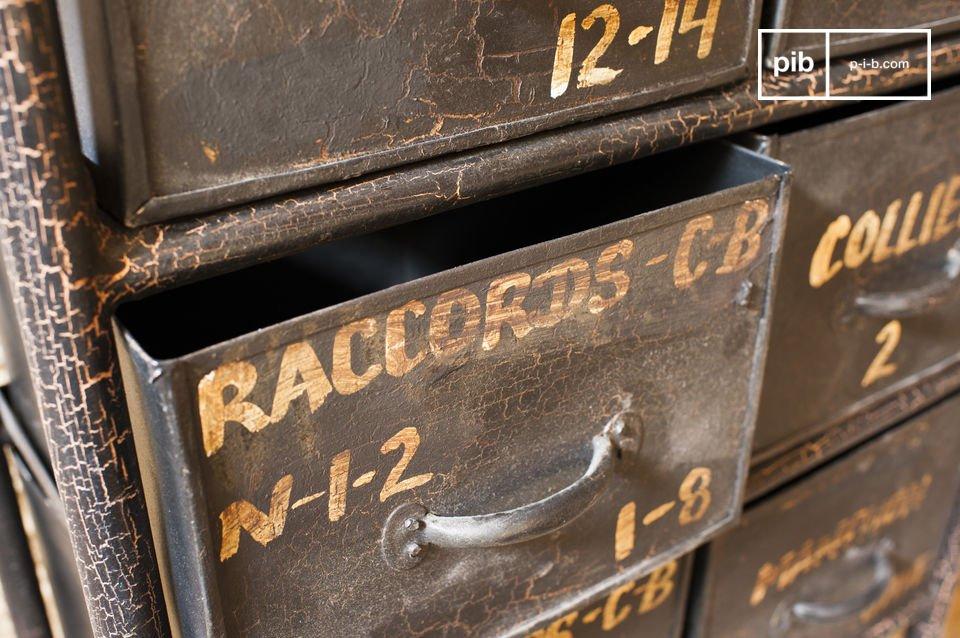 een opslagmeubel 100% industriële vintage stijl