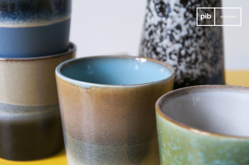 Dit vintage ontwerp zal helpen om van uw koffiepauze een waar genoegen te maken
