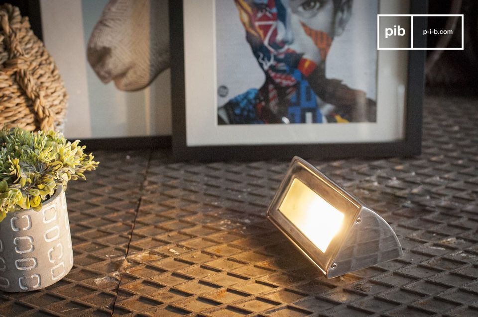 Multifunctioneel monoblok wandlamp voor gebruik buiten of binnen