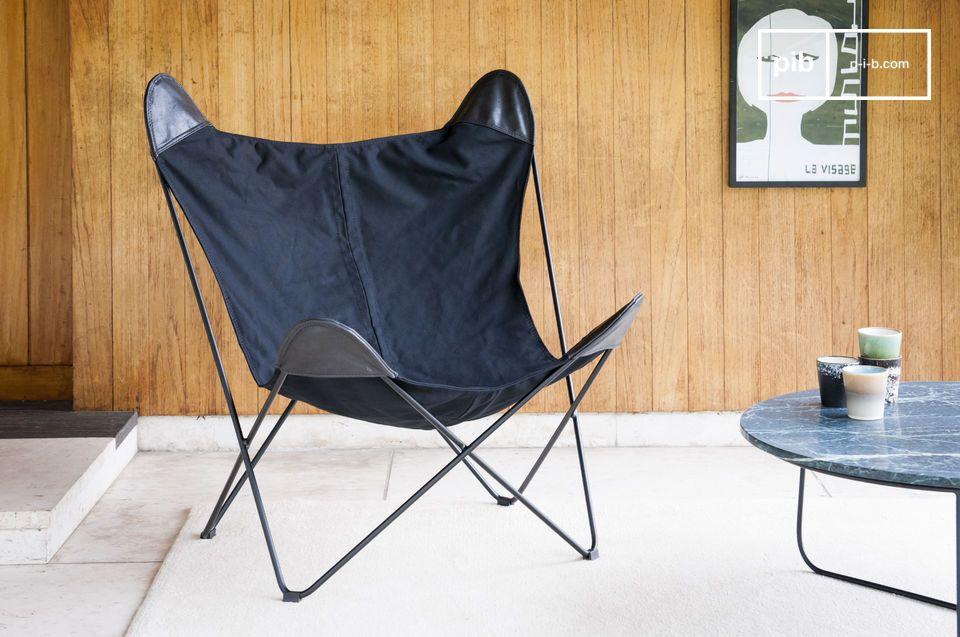 De Zwart Colina canvas fauteuil is veel meer dan een canvas fauteuil: het is een echte uitnodiging