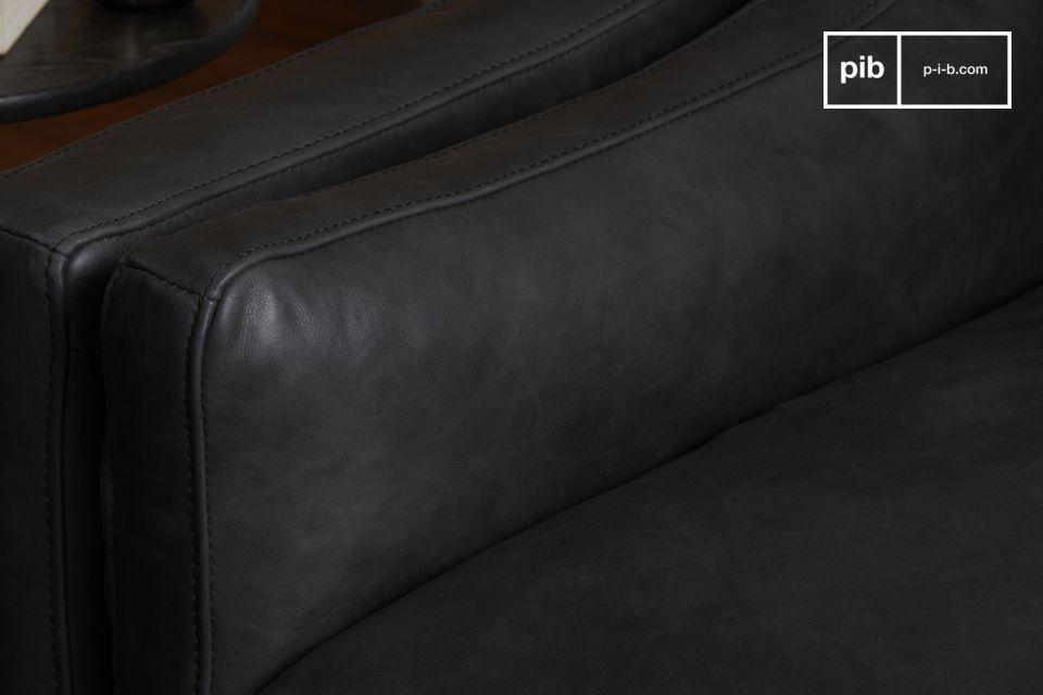 Een prachtige donkergrijze volnerf lederen fauteuil van groot formaat