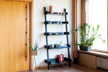 Zwarte houten boekenkast Groot formaat